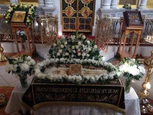 В Великую Пятницу в Казанском храме была совершена вечерня с выносом Плащаницы