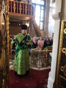 Диакон Илья Кокин удостоен права ношения камилавки