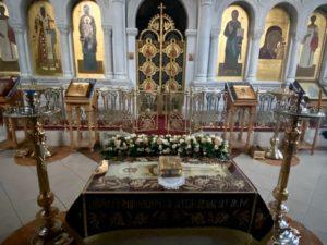 В Казанском храме в Великую Пятницу была совершена вечерня с выносом Плащаницы